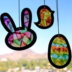 Our suncatcher template, tissue paper and transparency cutouts make a fun Easter kids craft. - Everyday Dishes & DIY #eastercraftskids
