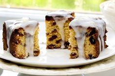 Nana Jill's sultana cake - Recipes - Eat Well (formerly Bite) Lemon Icing Recipe, Sultana Cake, Smooth Icing, Icing Ingredients, Golden Syrup, Cake Tins, Recipe Using, Brown Sugar, Cake Recipes