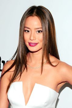 Laser Beauty Technology: Folds Jamie Chung teach you how to draw a Europe m. Holiday Hairstyles, Sleek Hairstyles, Straight Hairstyles, Jamie Chung Hair, Jaime Chung, Long Hair Cuts, Long Hair Styles, Balayage Straight Hair, Asian Hair Highlights Straight
