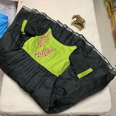 Kids Blouse Designs, Kurta Designs Women, Designs For Dresses, Kurtha Designs, Salwar Designs, Long Frocks For Girls, Dresses Kids Girl, Kids Outfits, Kids Frocks Design