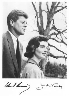 1956. Par Louise DAHL-WOLFE. Autographed photo of President and Jacqueline Kennedy