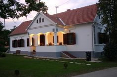 In the evening www. European House, Traditional House, Rustic Wood, Bungalow, Countryside, Shed, Farmhouse, Cottage, Exterior