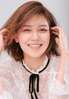 Girls' Generation Choi Sooyoung - J Style Magazine 2018 Kpop Girl Groups, Korean Girl Groups, Kpop Girls, Sooyoung Snsd, Kim Hyoyeon, Taeyeon Jessica, Girls Generation, Natural Makeup, Asian Girl