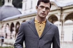 All the latest men's fashion lookbooks and advertising campaigns are showcased at FashionBeans. Click here to see more images from the Sarar Autumn/Winter 2015 Advertising Campaign
