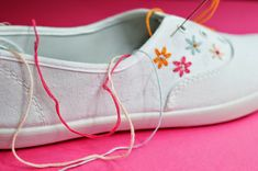 DIY Embroidered Canvas Shoes | Motte's Blog Diy Embroidery Canvas, Embroidery Patterns, Quilting Projects, Sewing Projects, Baby Baptism, Painted Shoes, Canvas Sneakers, Diy Painting, Tangled