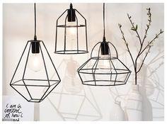 Moderne lampen zoals deze metalen plafondhangers kunnen in één keer je hele interieur veranderen. Prachtig boven de eettafel of salontafel bijvoorbeeld.