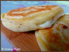 Galette with 3 cheeses (feta, mozzarella, ricotta): the easy recipe - Recipes Easy & Healthy Naan, Mozzarella, Food Porn, Vegetarian Recipes, Cooking Recipes, Salty Foods, Milk Shakes, Ramadan Recipes, Snacks