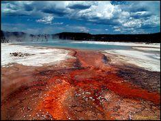 Sunset Lake Black Sand Basin, Yellowstone National Park, Wyoming US