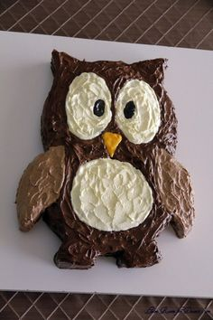 Owl Cake @Sarah Shobe - This reminded me of you. You could do it in cute baby colors, whether a girl or boy.