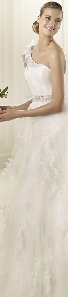 Pronovias Wedding Dress - - Dinar - -2013 Collections