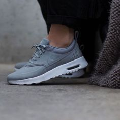 the best attitude 077f0 d1314 Nike Air Max Thea Gray size 7. Skor Sneakers  Dam Nike ...