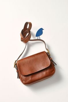 A little bird told us the Harper crossbody handbag is just what you need this summer.