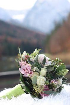 Herbst-Brautstrauß Rosa, Romantische Herbsthochzeit in den Bergen von Garmisch-Partenkirchen, Vintage-Style, heiraten im Hochzeitshotel Riessersee Hotel; wedding destination abroad Bavaria