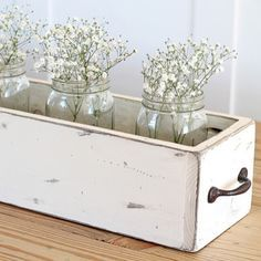I've got baby's breath in my kitchen and foyer right now. DIY farmhouse table centerpiece from featuring Hickory Hardware Refined Rustic pulls (Diy Furniture Farmhouse) Farmhouse Table Centerpieces, Wood Box Centerpiece, Diy Farmhouse Table, Rustic Farmhouse Decor, Decoration Table, Rustic Wood, Farmhouse Style, Wood Wood, Vintage Farmhouse
