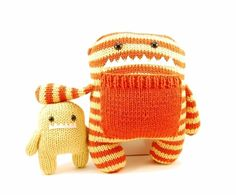 I need to make these guys! -- Daphne and Delilah the Momma and Baby Monster, designed by Rebecca Danger