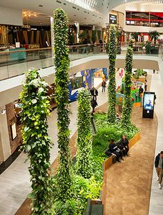 Plantstalagmites la Mall of Scandinavia, Sockholm, Suedia Hotel Lobby Design, Mall Design, Retail Design, Shopping Mall Interior, Shopping Malls, Vertikal Garden, Atrium Design, Garden Mall, Centre Commercial