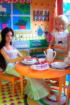 Tuesday Taylor and Little Sister Dodi in Barbie's Country House, 1970's
