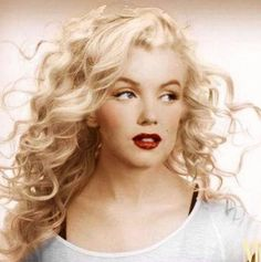 Marilyn Monroe with long blonde hair Arte Marilyn Monroe, Marilyn Monroe Photos, Marilyn Monroe Wedding, Hollywood Glamour, Hollywood Stars, Stars D'hollywood, Actrices Hollywood, Norma Jeane, Celebs