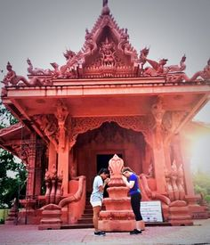 Feeling religious in the #temples of Hin Ta-Hin Yai. #Thailand #Adventure #GrabYourDream #Travel #TravelAdventurer