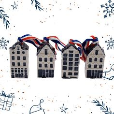 Miniature houses with ribbon (set of 4)