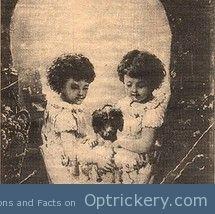 Hidden skull/children picture