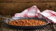Fèves au lard traditionnelles à la mijoteuse Baked Bean Recipes, Gf Recipes, Slow Cooker Recipes, Baking Recipes, Beans Recipes, Wheat Free Recipes, Baked Beans, Plant Based Recipes, Chana Masala