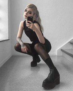 ALTERCORE (@altercore) • Zdjęcia i filmy na Instagramie Alternative Girls, Alternative Fashion, All Black, Black And White, Harajuku Fashion, Aesthetic Fashion, Grunge Outfits, Black Booties, Tgirls