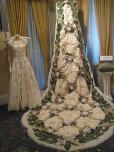 Queen collar, mantle & Gown by DVal Designs | KING & QUEEN ...