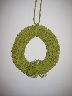 Kevätkranssi paperinnarusta -paper yarn spring wreath