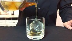 How the Use of Directional Freezing Results in Crystal Clear Ice for Cocktails