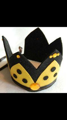 Queen Bee crown felt
