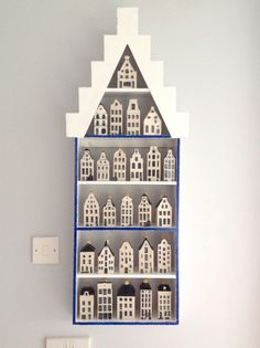 A friend made me some shelves shaped like a Dutch house for my collection of KLM houses, sweet!
