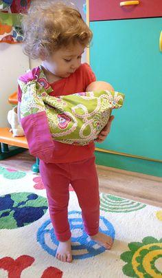 porte-bébé pour baigneur Excellent pour faire un cadeau !!! Baby Doll Accessories, Young People, Girly Things, American Girl, Baby Dolls, Doll Clothes, Harajuku, Creations, Barbie