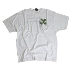 Quiksilver Mens Quiksilver Omnicross Ss Tee White Simple but effective 100% cotton tee from Quiksilver. Omnicross graphic is printed and the cotton is super soft and nicely heavy. http://www.comparestoreprices.co.uk/mens-clothes/quiksilver-mens-quiksilver-omnicross-ss-tee-white.asp