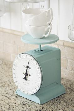 Antique scale I have the same scale with all the old dirt still attached. Shabby Chic Kitchen, Vintage Kitchen, Kitchen Items, Kitchen Decor, Mint Kitchen, Kitchen Things, Turquoise Kitchen, Little Corner, Duck Egg Blue