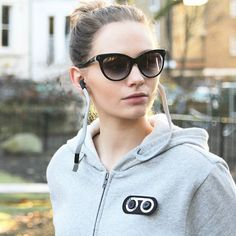 Our collaboration HB3 smart-tech headphone hoodie .. The perfect gift for Christmas 🎁 Available at hookldn.com | @rebeccahknight in Wander suns in Black. • #HookLDN #HookedOnLDN #HoodieBuddie