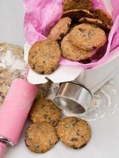Κούκις με κομμάτια σοκολάτας γαλακτος και φουντούκια Biscotti Cookies, Cake Cookies, Macarons, Dog Food Recipes, Cookie Recipes, Healthy Biscuits, Cupcakes, Yummy Treats, Sweet Tooth