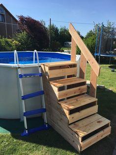 Above Ground Pool Steps, Above Ground Pool Landscaping, Backyard Pool Landscaping, In Ground Pools, Piscina Pallet, Piscina Intex, Pallet Pool, Pool Deck Plans, Pool Ladder