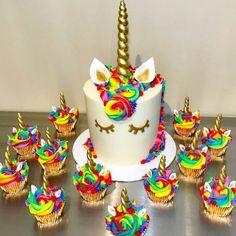 How to Make a Unicorn Birthday Cake Rainbow Unicorn Cake and Cupcakes Unicorne Cake, Cupcake Cakes, Baking Cupcakes, Bolo Fondant, Bolo Original, Bolo Fack, Rainbow Unicorn Party, Cake Rainbow, Rainbow Birthday Cakes