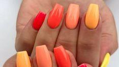 Gradient nails : ces nuances idéales pour une manucure estivale - Grazia Gradient Nails, Galaxy Nails, Rainbow Nails, Gel Nails, Nail Polish, Simple Acrylic Nails, Best Acrylic Nails, Fabulous Nails, Gorgeous Nails