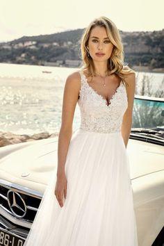 Wedding dress - wedding gown collection by Ladybird Bridal Classic Wedding Dress, Bridal Wedding Dresses, Dream Wedding Dresses, Wedding Attire, Classic Dresses, Wedding Bra, Wedding Vows, Wedding Makeup, Dream Wedding