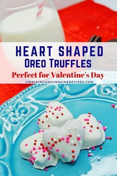 Heart Shaped Oreo Truffles - crushed Oreos, cream cheese and chocolate are all you need to make heart shaped Oreos for Valentine's Day. Heart Cookie Cutter, Heart Cookies, Crushed Oreos, Oreo Truffles, Valentines Day Treats, Valentine Heart, Almond Bark, School Treats, Cookies And Cream