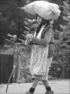 Photo Andrei Pandele Image Archive, Old Women, My Childhood, Woman, Country, Searching, Nostalgia, Rural Area, Country Music