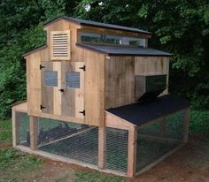Easy Homesteading: Free Chicken Coop Plans - I like the run on the bottom with a hen house on top
