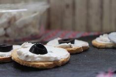 Tapitas y Postres: Crema de anchoas y queso.