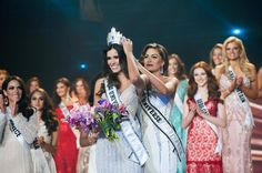 Paulina Vega of Colombia Crowned Miss Universe 2014 - Beauty Pageant News Miss Universe Crown, Miss Colombia, Vegas, Miss Usa, Beautiful Inside And Out, Miss World, Beauty Pageant, Bridesmaid Dresses, Wedding Dresses