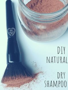 Shampoo DIY Natural Dry Shampoo: Slept in? Try some DIY dry shampoo for beautiful hair!DIY Natural Dry Shampoo: Slept in? Try some DIY dry shampoo for beautiful hair! Natural Beauty Tips, Natural Skin Care, Natural Health, Natural Hair Styles, Organic Beauty, Natural Oils, Natural Makeup, Beauty Care, Diy Beauty
