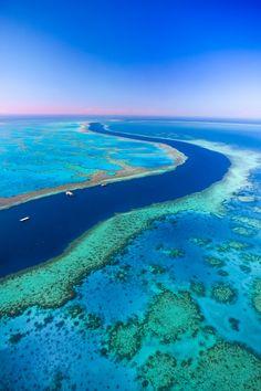 Sobrevoar a Grande Berreira de Corais, Queensland, Austrália.
