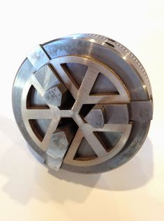Lathe chuck spider in metal and plastic Metal Lathe Tools, Metal Lathe Projects, Homemade Lathe, Lathe Chuck, Machinist Tools, Industrial Machine, Diy Cnc, Tool Shop, Work Tools