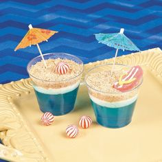 Beach Scene Dirt Cups Recipe Idea This dessert idea will make waves at your luau or beach party! Moana Birthday Party, Hawaiian Birthday, Moana Party, Luau Birthday, Hawaiian Parties, Hawaiin Party Food, Birthday Ideas, Summer Birthday, Tiki Party